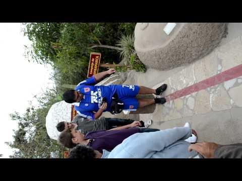 Azules en Quito, en la Real Linea del Ecuador - Experimento caminar x la linea Diego + Diego