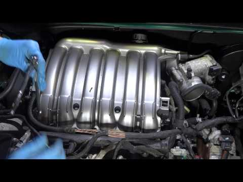 Фото к видео: Peugeot/Citroen 3.0 ES9J4S V6 - Rocker Cover and Spark Plug Replacement