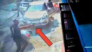 Delhi me mari sare  aam Goli Must watch CCTV Footage