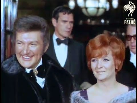 Liberace and Millicent Martin at the Premiere of musical Mame in London (1969)