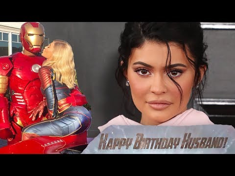 Kylie Jenner Reveals She's Married To Travis Scott With Avengers Endgame Birthday Cake?