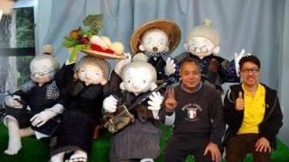 ハイサイ!人形にカチャーシーと三線を教えています。呼夢ランドのオジ...