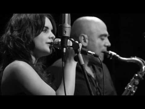 ANDREA MOTIS & JOAN CHAMORRO no more blues ( chega de saudade)