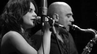 ANDREA MOTIS & JOAN CHAMORRO no more blues ( chega de saudade)