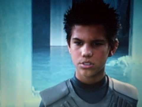 'You snooze, you win?'... Taylor Lautner Sharkboy