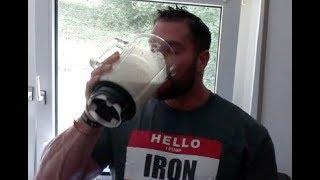 Essen für Masse #1 | 700 Kalorien Shake ohne Supplements! 60g Protein!
