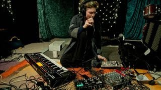 Grimes - Be A Body (Live on KEXP)