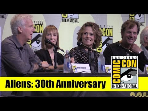 Aliens | 2016 Comic Con Full Panel (James Cameron, Sigourney Weaver, Bill Paxton)