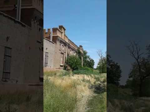 Замок Лакиера в селе Золотая коса Ростовской области на берегу Азовского моря