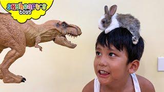 Pet Dino thinks he's a bunny!