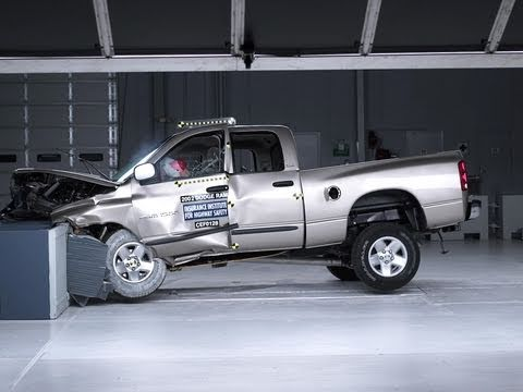 2002 Dodge Ram 1500 Moderate Overlap Iihs Crash Test Youtube