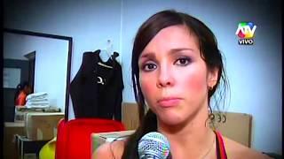 Repeat youtube video COMBATE: Jenko molesto por el baile sensual de Paloma 16/04/14