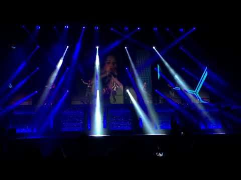 Tina Barrett - Stronger (S Club 7) Newcastle 9/5/15