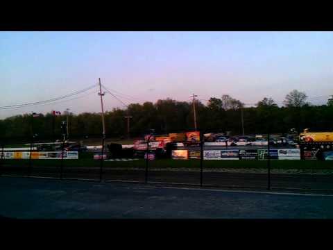 World of Outlaws Rolling Wheels Raceway Heat #1