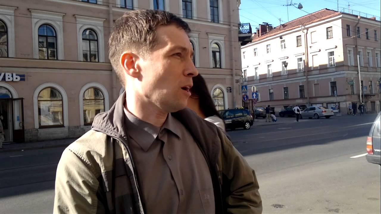 Russian man speaking Vietnamese and Chinese