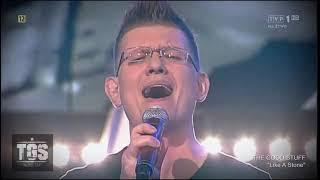 Wokalista VOCART Piotr Kulbicki na żywo w TVP1 z zespołem The Good Stuff