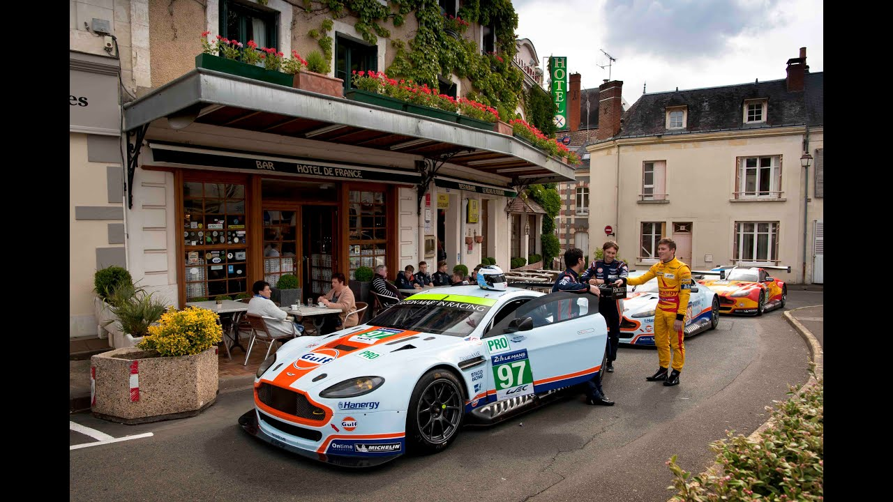 le mans aston martin racing cars go back to the hotel de. Black Bedroom Furniture Sets. Home Design Ideas
