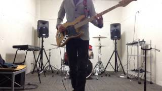 A bass cover of 「羅針盤」by ASIAN KUNG-FU GENERATION. 弾いてみまし...