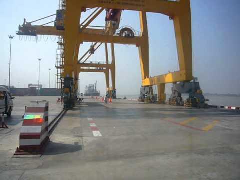 AWPT(Asia World Port Terminal) / P1040824
