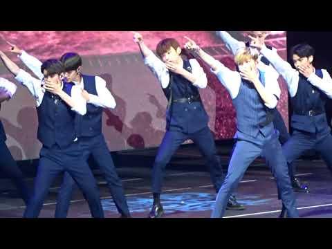 KCON NY 2018 Day 2 - WANNA ONE - Talk +...