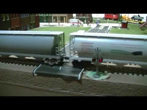 New Crossing Signals on my Layout! W/ CN Leading!!