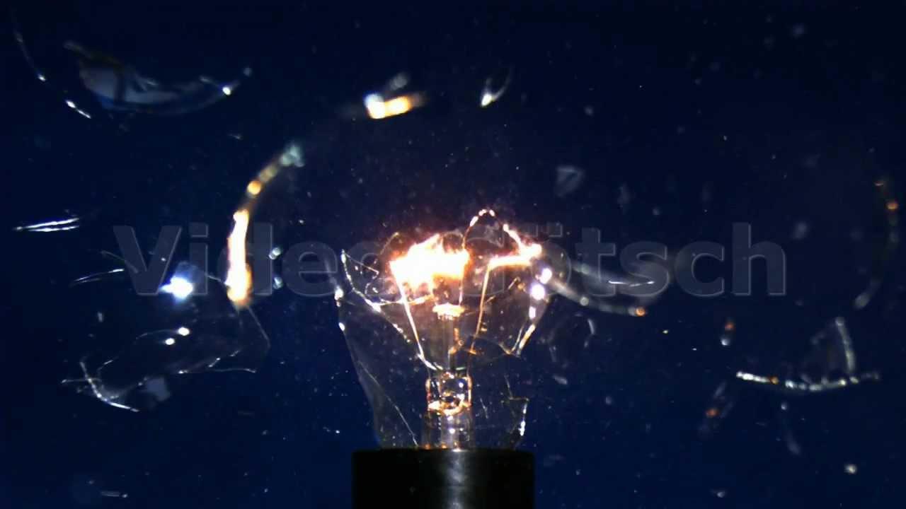 Flood light bulb exploded : Slow motion exploding light bulb explodierende