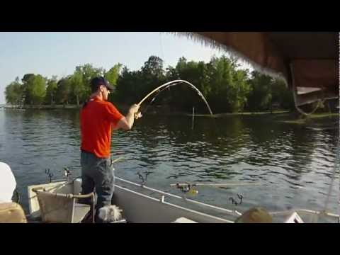 Santee Cooper April crappie fishing...spider rigging
