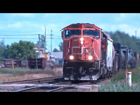CANADA 150 | CN,CP and VIA Trains on Canada Day in Portage La Prairie ! (07/01/17)