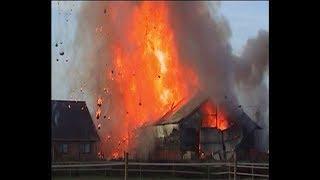 Heiligerlee - Zware explosie tijdens grote brand in boerenschuur