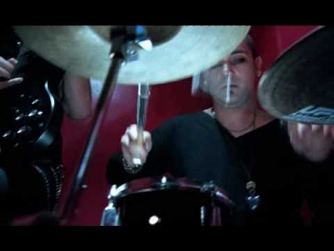 Andreas Bourani - Auf anderen Wegen (Official Video) from YouTube · Duration:  4 minutes 4 seconds