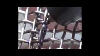 Точечная сварка стальной сетки разными способами(Микросварка. Точечная сварка стальной сетки разными способами. Используется аппарат для точечной микросва..., 2012-09-11T16:54:10.000Z)