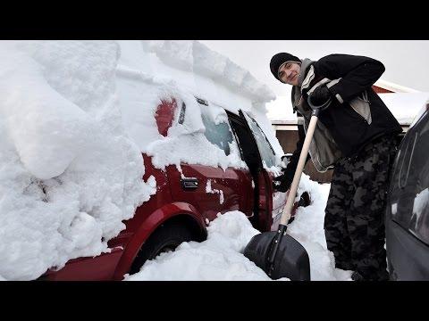 Как очистить машину от снега? Народные способы