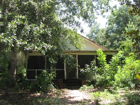 Fixer Upper Home on 7 Acres for Sale in North Florida