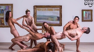 Nude Dancing Show At Sydney! Audience Members Have To Be Naked Too