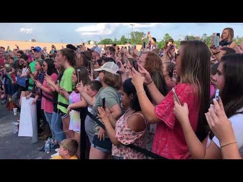 Walmart yodeler Mason Ramsey performs in Chattanooga