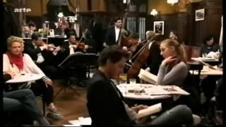 Johann Strauss II - Rosen aus dem Süden,Walzer Op. 388 (The Philharmonics)
