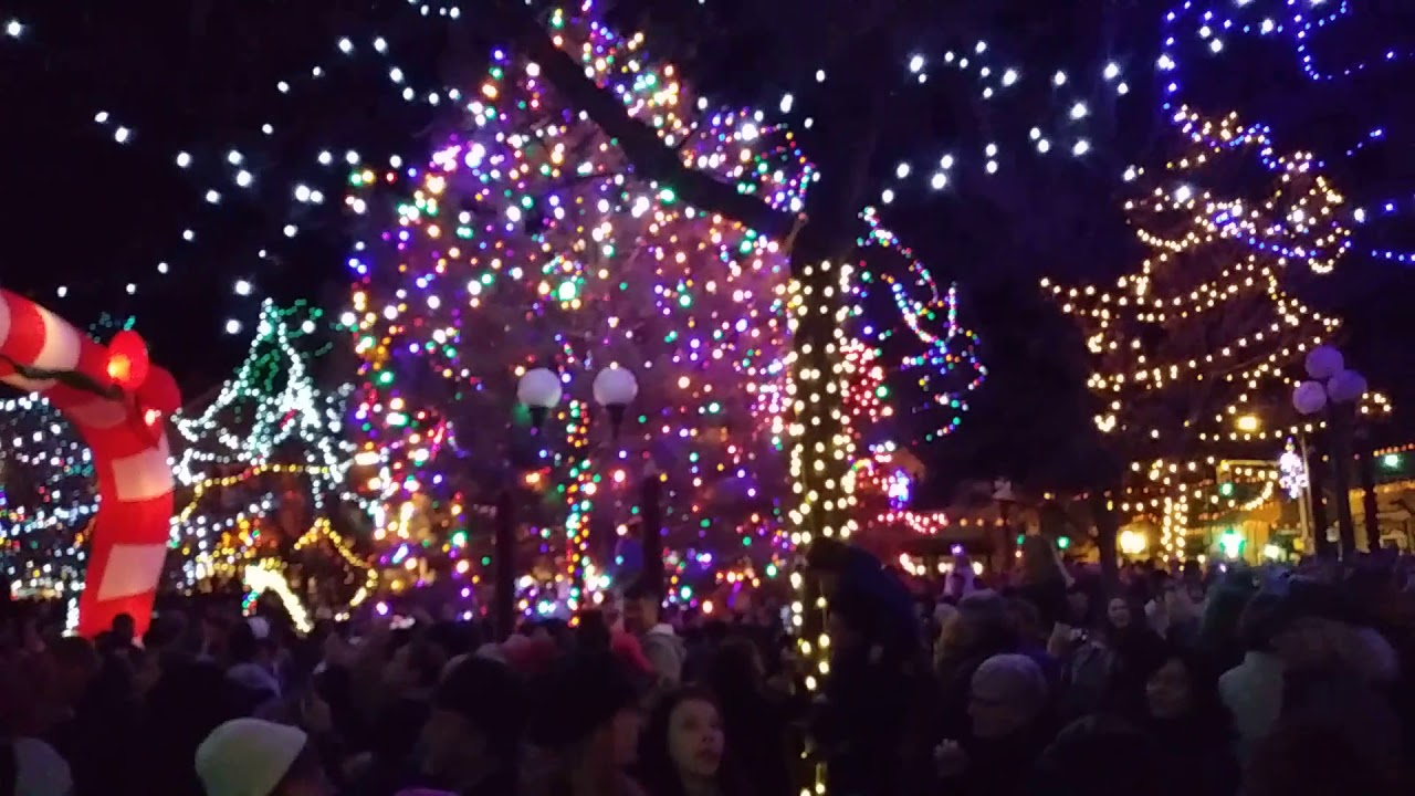 christmas lighting on the santa fe plaza - Christmas In Santa Fe