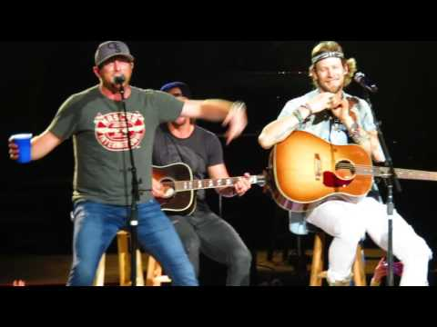 Tailagate Watch: Cole Swindell Performs the #1 He Wrote for Thomas Rhett