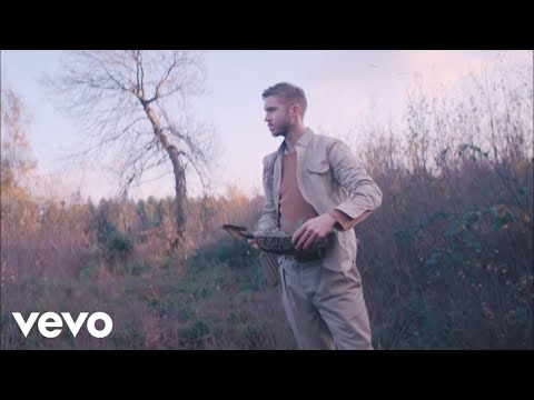 Смотреть клип Calvin Harris, Rag'n'bone Man - Giant