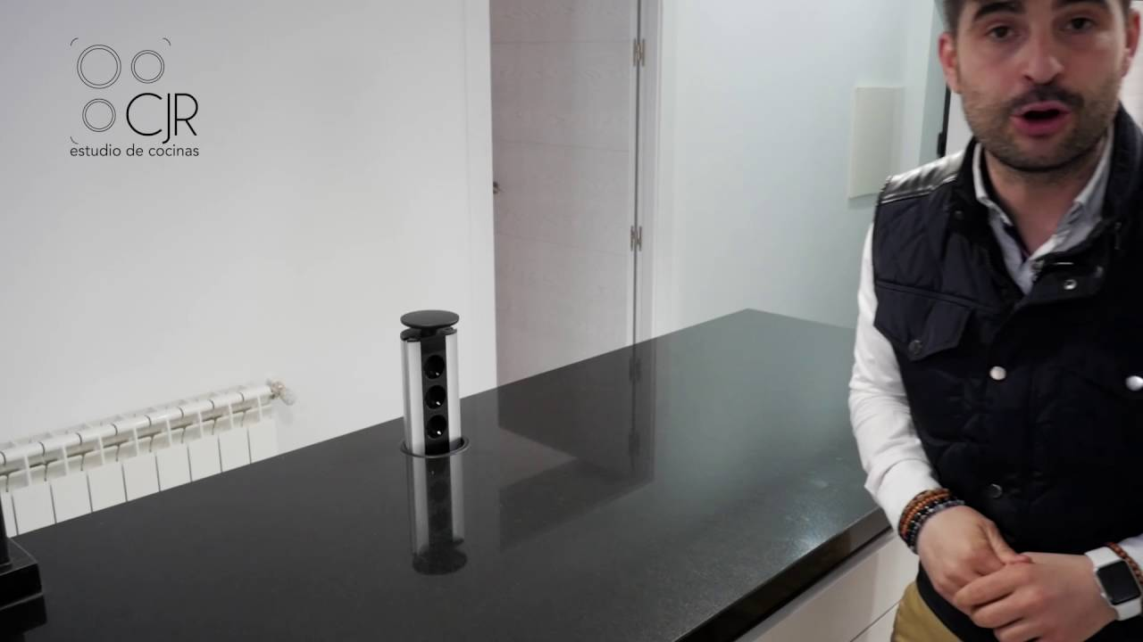 Cocina moderna color blanca granito importaci n color for Granito negro para cocina