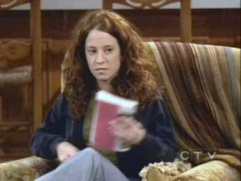 amy davidson as kerry hennessy in 8 simple rules