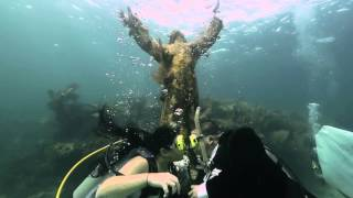 Watch Underwater Wedding To Mark 50th Anniversary Of Christ Of The Deep Statue