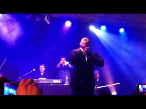 Ferdi Tayfur & Evlerinin onu çalı (Konserden)
