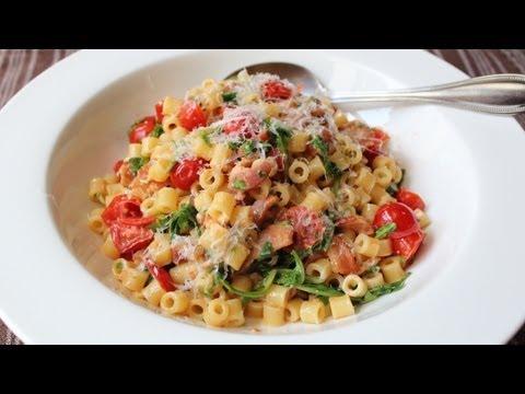 B.L.T. Pasta Recipe - Pasta with Bacon, Lettuce (Arugula), and Tomato Sauce