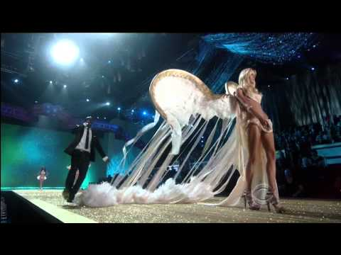 "Victoria's Secret Fashion Show 2010 ""Heavenly Bodies"" Act 4 Akon Angel HD"