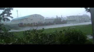 видео В Одессе шторм валил деревья, балконы и затопил улицы (7 августа 2016)