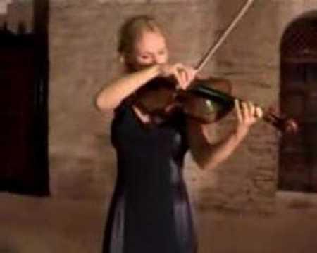 """Anna Serova tocando """"Capricho para Viola"""" de Henry Vieuxtemp"""