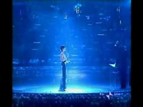 Dolores O'Riordan Ave Maria live