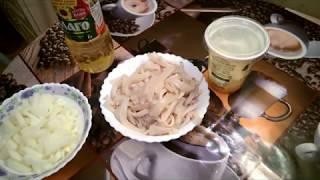 как мгновенно почистить кальмары и  приготовить быстрый горячий салат