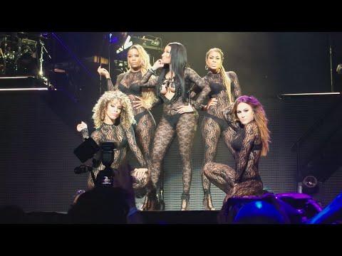 """Nicki Minaj """"Feeling Myself"""" - The Pink Print Tour : Houston Texas"""